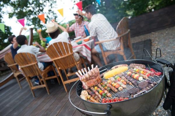 Barbecue : ce soir c'est la fête au jardin